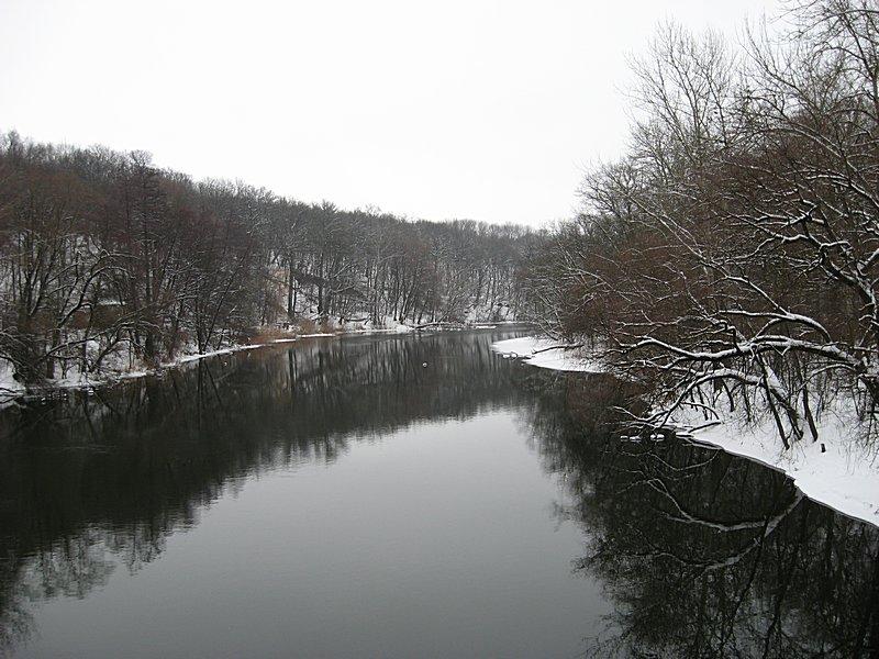 Вид зимней реки